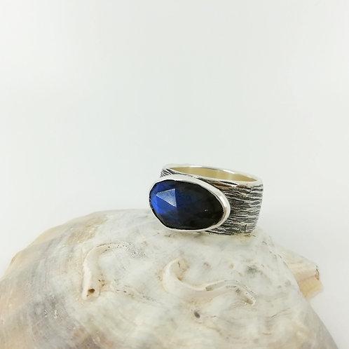 Silver art ring with Labradorite