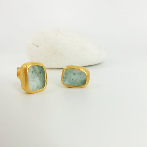 Goldplated earrings with an Aquamarine