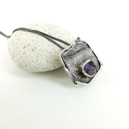 Unique necklace with Amethyst