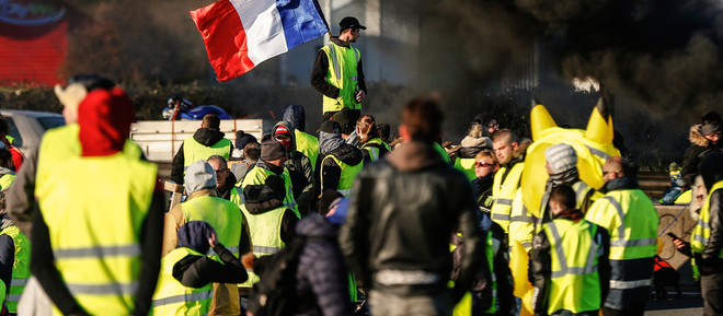 POLITICS / THE TRUTH BEHIND FRANCE'S 'YELLOW VESTS' MOVEMENT