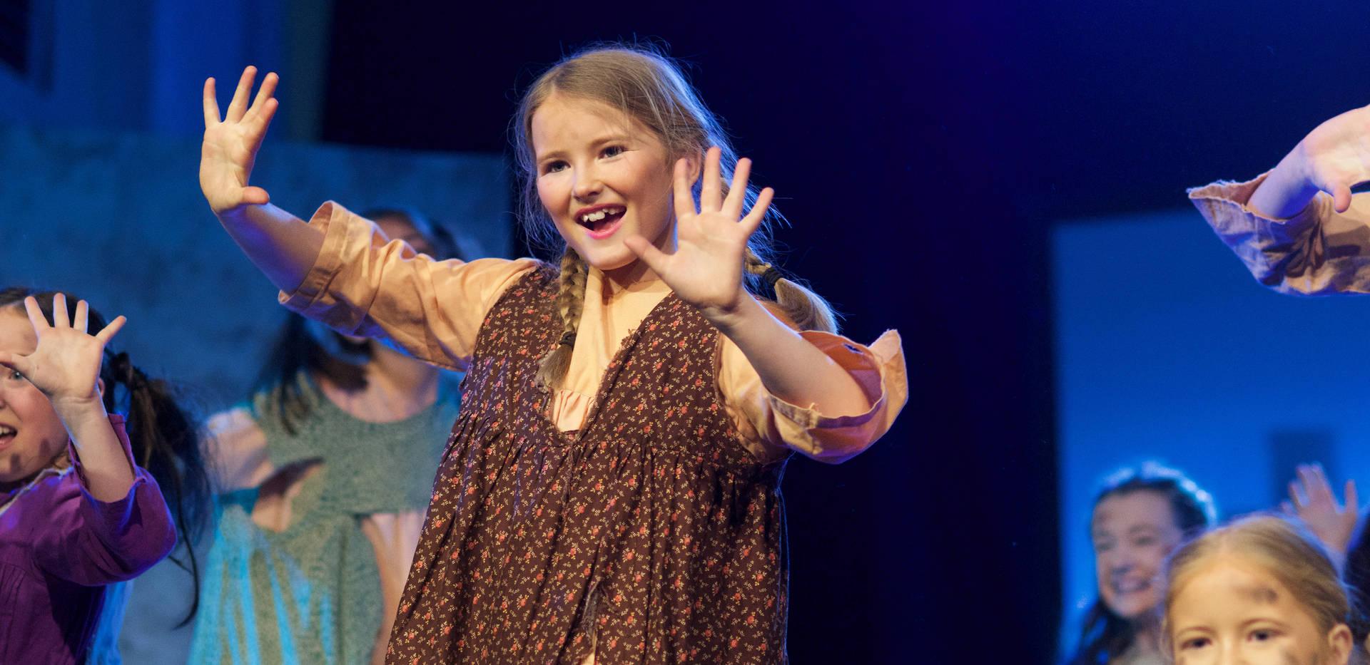 Annie - Show Photos (138).jpg