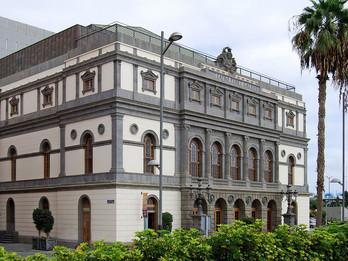1200px-Teatro_Pérez_Galdós_2010.jpg
