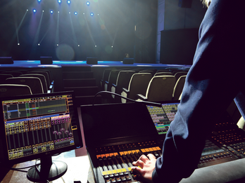 00 Generic-Backstage-lighting-auditorium
