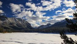 Hyalite-Lake in Winter...