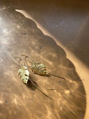 Monstera-Earrings-LakooDesigns.jpg