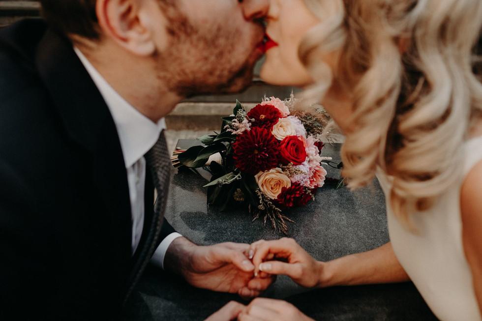 флорист, декоратор сватба, булчински букет, сватбена декорация, сватба, сватбена украса, декорация за сватба, украса маса, аранжировки за сватба, цветя за сватба, декорация изнесен ритуал, декорация от цветя, сватбена декорация по цвят, сватбена декорация по тема, сватбени аранжировки