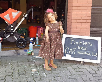 Sudsy Buggy Babies Strollers Uppa Baby Bugaboo Stroller Cleaning Sudsy Buggy Hoboken Babies Baby Kids Organic NJ New Jersey Children Wash Moms Clean Stain Fabric how do I clean my Pram Stroller Wash Fabric Natural Cleaning Hudson County NYC Dirty Stroller Stokke Assembly Bob
