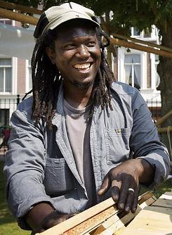 Ibrahim op bouwspeelplaats Den Haag