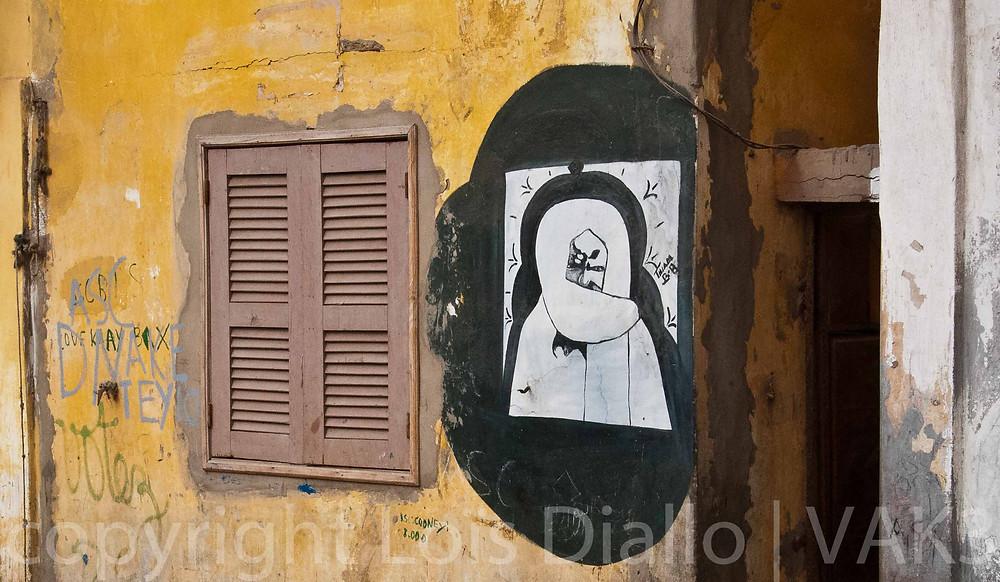cheikh Amadou Bamba een een muur in Saint Louis (Senegal)