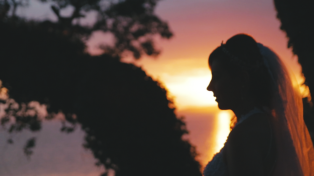 Noiva no pôr do sol