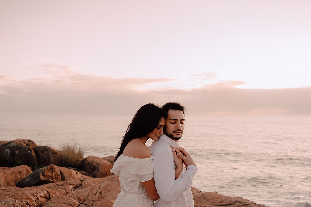 noivos na praia pre wedding