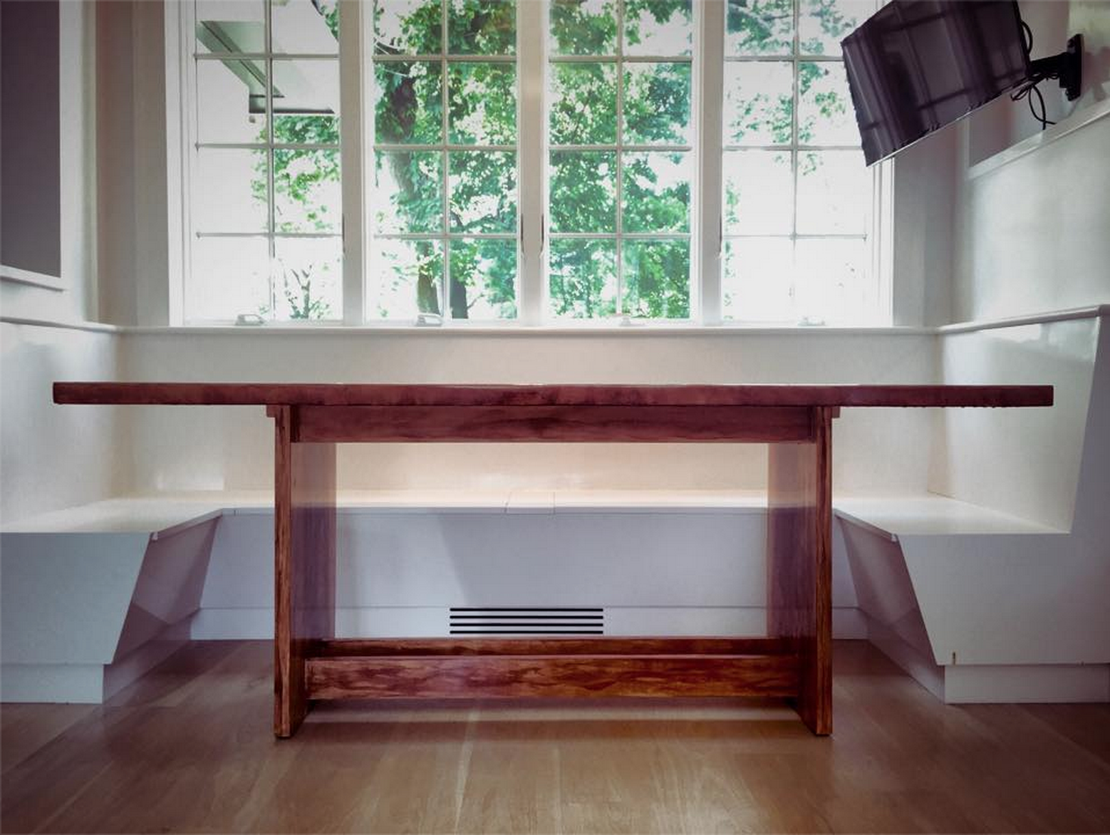 Farmstyle Banquette Table
