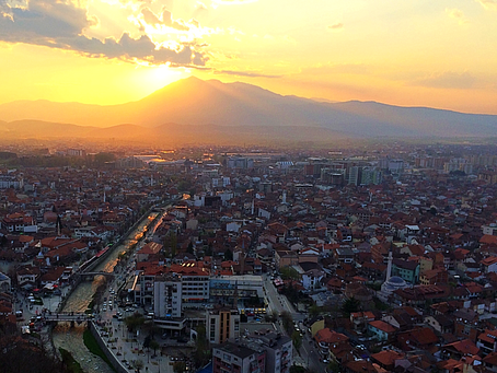 3 elements for a unique visit = River + Fort + Mosque (Prizren in Kosovo)
