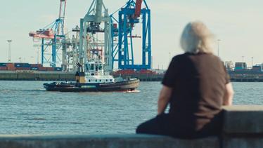 """elbstrand retten"" director: rene pirot"