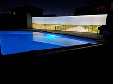 Pool-Lichtwand-Nacht.jpg