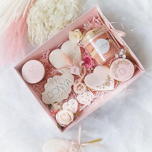 Floral treat box standard