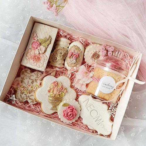 Vintage floral treat box