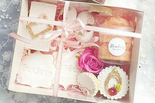 Floral treatbox LARGE