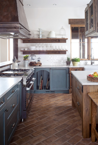 Farmhouse Kitchen - Open Shelves
