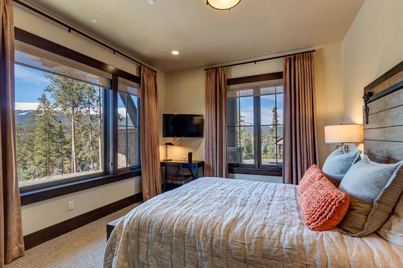 Mountain Bedroom - Breckenridge, CO