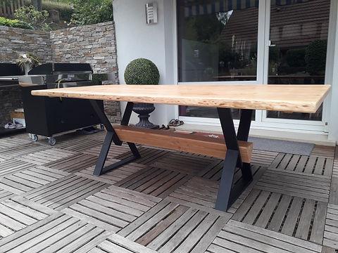 jbrondin_table_en_bois_pied_metal_sur_mesure.jpg