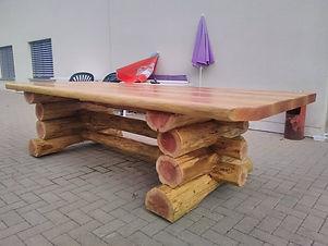 table_en_rondin_de_bois_sur_mesure.jpg