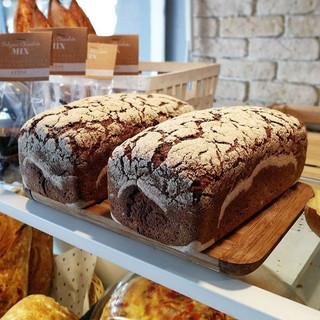 Ekşi mayalı _0 Çavdar ekmeği 👆 _Geleneksel tarım sertifikalı doğal çavdar unu, 84 mineralli Çankırı kaya tuzu ve atalık ekşi mayamız ile haz