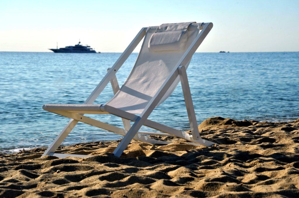 Beach chair white.2.jpg