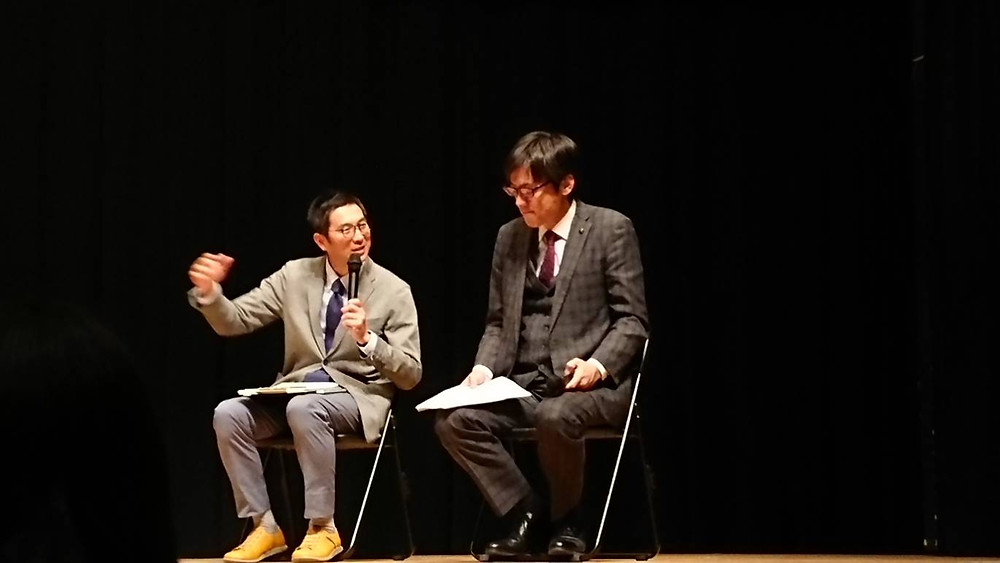福岡市長に質問する友田