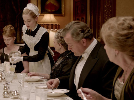 "ETIQUETTE QUIZ: ARE YOUR MANNERS GOOD ENOUGH FOR DINNER AT ""DOWNTON ABBEY""?"