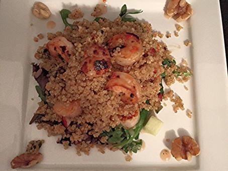 A LIGHT & YUMMY DINNER: STIR-FRIED SHRIMP WITH QUINOA SALAD