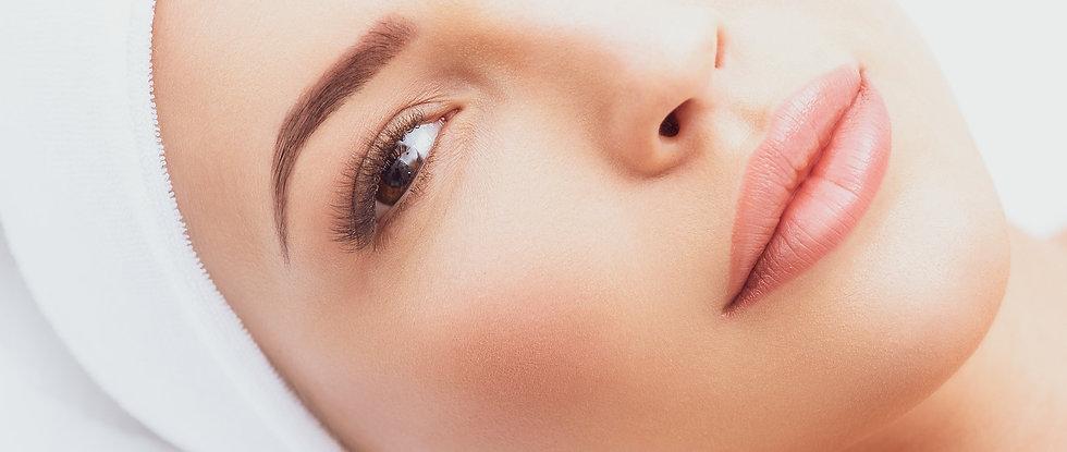 Delphine Eyebrow