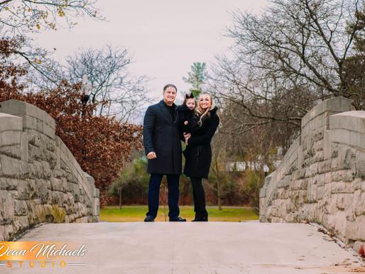 FAMILY CHRISTMAS PORTRAIT | GIULIANNA, AMANDA & NICK