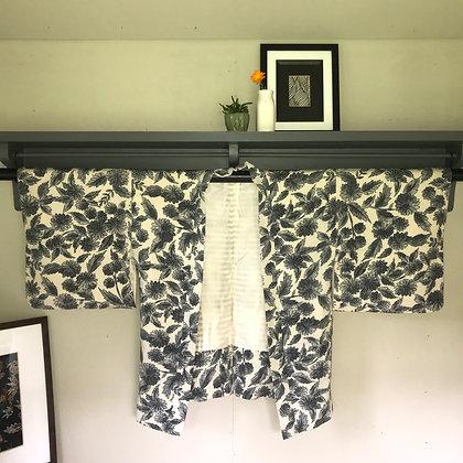 Vintage Japanese silk Kimono Jacket in Pale Grey Chrysanthemum