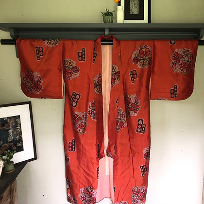 Vintage Japanese silk Kimono in abstract design