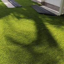 Instalación de Pasto  Sintético imitación natura Emerald Grass 40