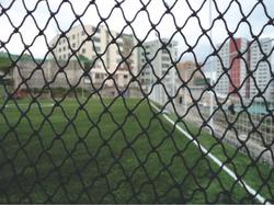 Instalación de red perimetral cancha fútbol 7