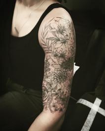 sam_flower_sleeve.jpg