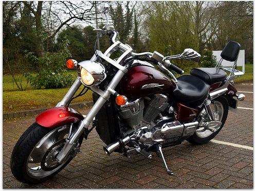 SOLD - HONDA VTX1800 JUST 14,300 MILES