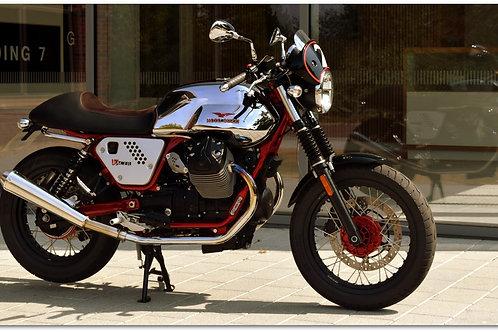 """SOLD 2013 MOTO GUZZI V7 """"RACER"""" ONLY 4,700 MILES"""