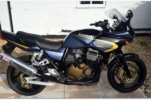 SOLD - 2004 KAWASAKI ZRX1200s