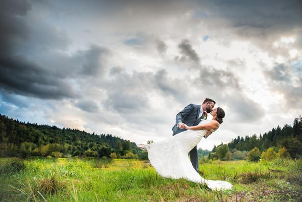 Red Barn Farm field wedding photo session