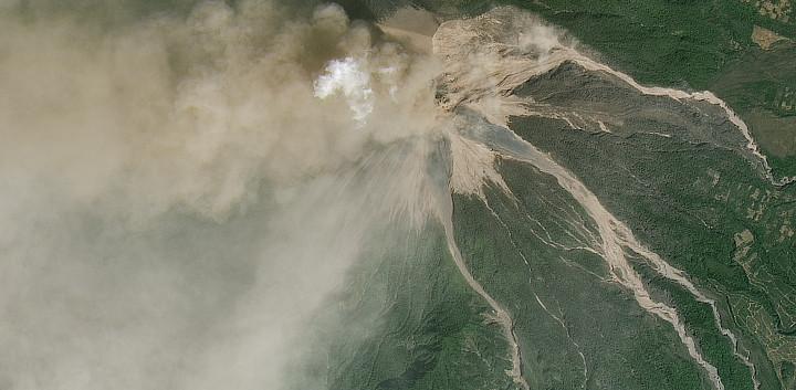 fuego-volcano-erupt-jan2018.jpg