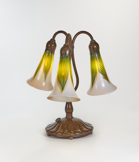 Pulled Feather Lily Lamp
