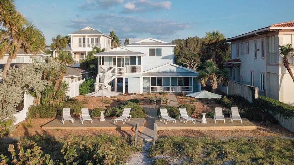 Charming Cottage in Indian Rocks Beach