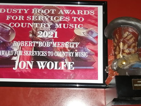 We have a pair of Dusty Boot awardees