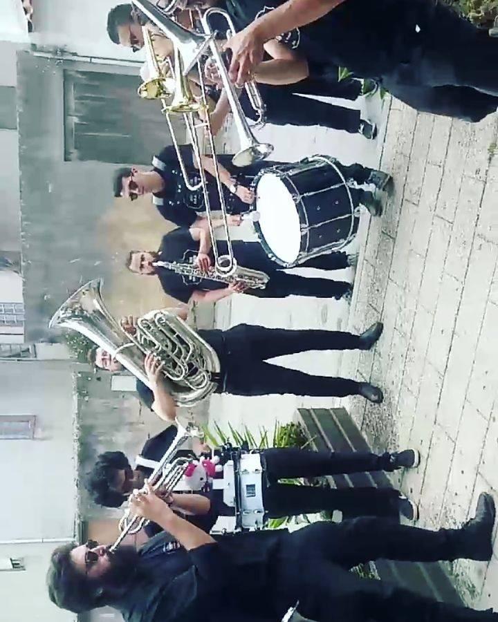 Sweet dreams... ;)  #tuba #basstrombone #tenortrombone #trumpet #altosaxophone #tenorsaxophone #drums #streetmusic #streetmusicians #streetpermance #brassband #brasspower #butchersbrassband #sweetdreams