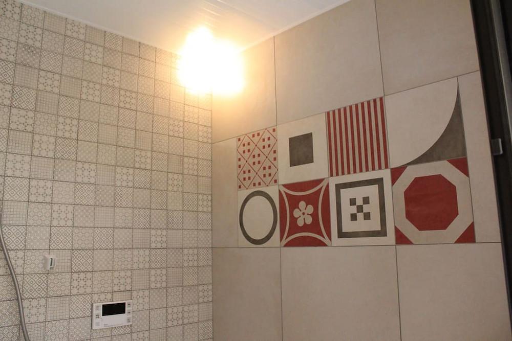 房東太太說最喜歡浴室的瓷磚