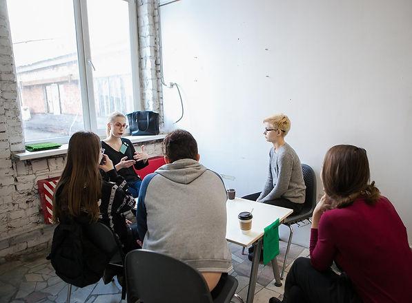 Интерсекс активистка на живой библиотеке в Москве