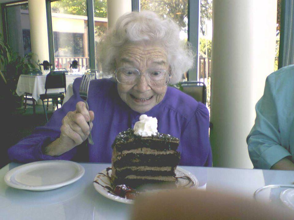 Mom n cake